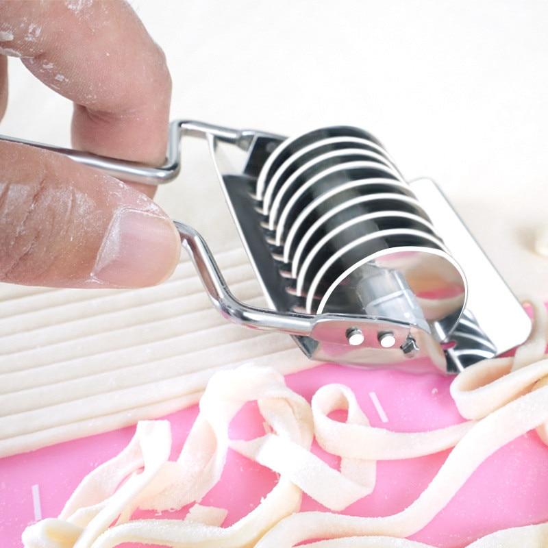 TTLIFE Pressing Machine Non-slip Handle Kitchen Gadgets Spaetzle Makers Noodles Cut Knife 1PC Manual Section Shallot Cutter