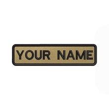 Caqui fundo marrom 10x2.5cm bordado nome personalizado texto remendo listras crachá ferro ou remendos de velcro
