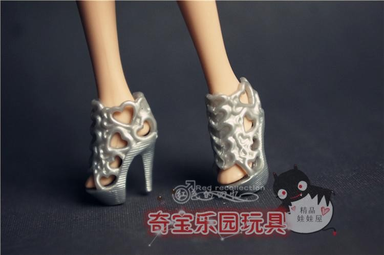 shoes for baribe doll 11
