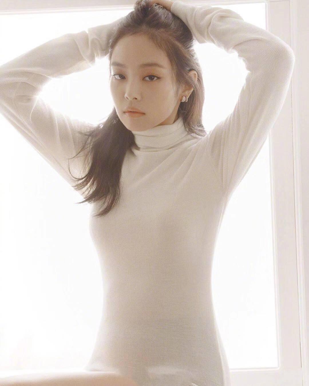 Kpop Blackpink Jennie Same White Sweet Turtleneck Knitted Sweater Women Streetwear Fashion Slim Long Sleeve Sweaters Ladies Tops
