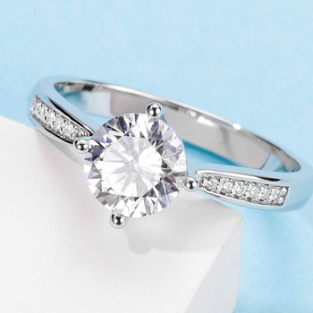 White Gold Plated 925 Sterling Silver Main Stone 1ct 6.5mm MoissaniteS Side Stone Cubic Zirconia Ring Jewlery M02B