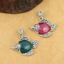 925 Sterling Silver Jewelry Retro Thai Silver Women's Small Goldfish Marcasite Inlaid Red Corundum Green Agate Pendant fnj 925 sterling silver bracelets natural yellow green stone synthetic blue red corundum 17 3cm s925 thai silver chain bracelet