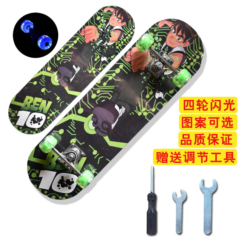Direct Selling Four Wheel Flash Skateboard Baby Primary Cartoon Double Rocker Teenager Scooter 2808 Manufacturers Wholesale