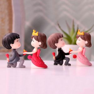 Happiness Wedding Romantic Young Couple Figurines Sweety Lovers Craft Fairy Scene Warm Gift Valentine's Day Ornaments Room Decor
