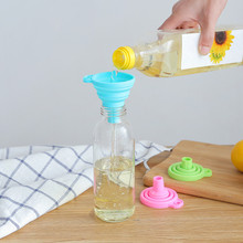Kitchen Accessories Silicone Tools 1 Pcs Mini Silicone Gel Foldable Style Funnel Hopper Kitchen Cooking Tools Kitchen Gadgets protable mini food grade silicone foldable funnels collapsible funnel hopper kitchen home cooking tools accessories gadgets 1pc