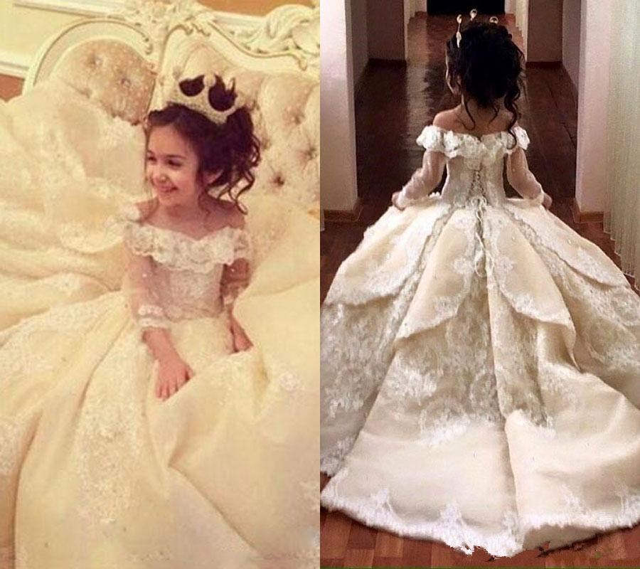 Vintage Lace Appliqued Pageant Dresses With Long Sleeves Ball Gown Flower Girl Dress Off Shoulder Sweep Train Kid Formal Wear