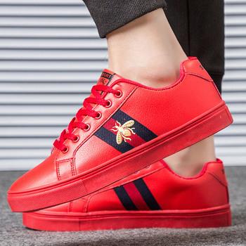 Męskie obuwie 2020 moda czerwone czarne trampki męskie buty Casual klasyczne oddychające zimowe trampki Walking skórzane buty męskie tanie i dobre opinie LSQZD Mesh Totem Wiosna jesień Lace-up Mieszkanie (≤1cm) Pasuje prawda na wymiar weź swój normalny rozmiar Dla dorosłych