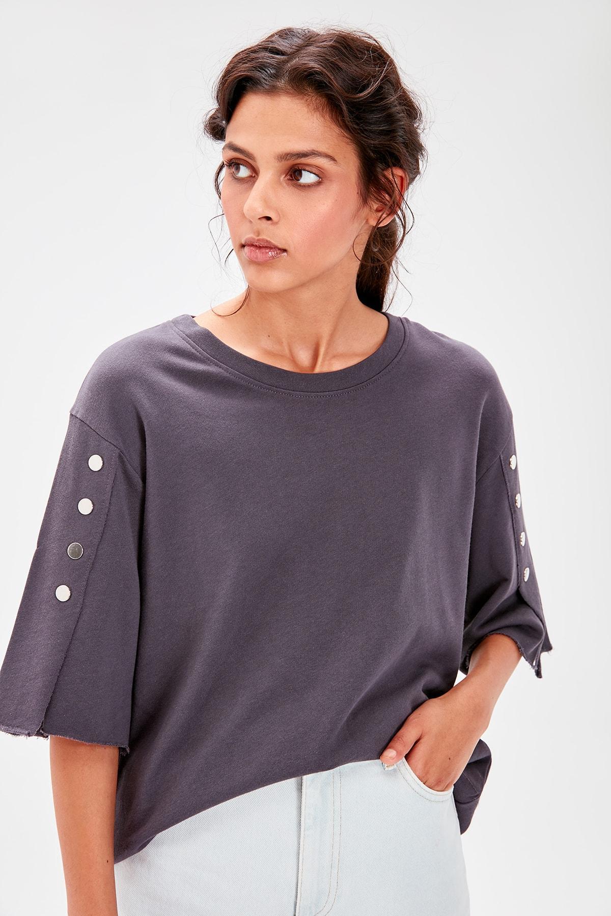 Trendyol Anthracite Button Detail Knitted Sweatshirt TWOAW20SW0348