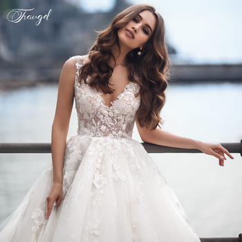 Traugel Sexy V Neck Ball Gown Lace Wedding Dress Elegant Sleeveless Backless Bead Bridal Dress Long Train Wedding Gown Plus Size new cute sleeveless criss cross back backless puffy tiered scoop neck white ball gown flower girl dress for wedding kid gown
