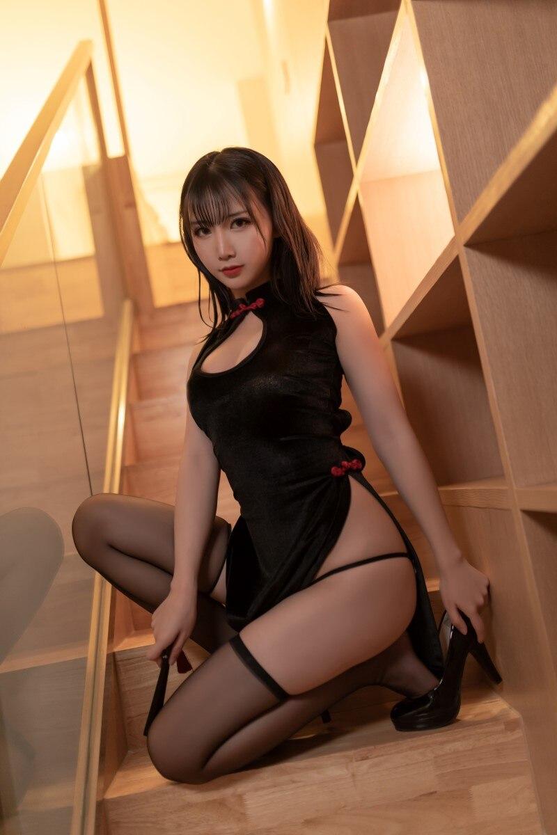 ★网红★面饼仙儿–黑丝旗袍cos[10P/131MB]