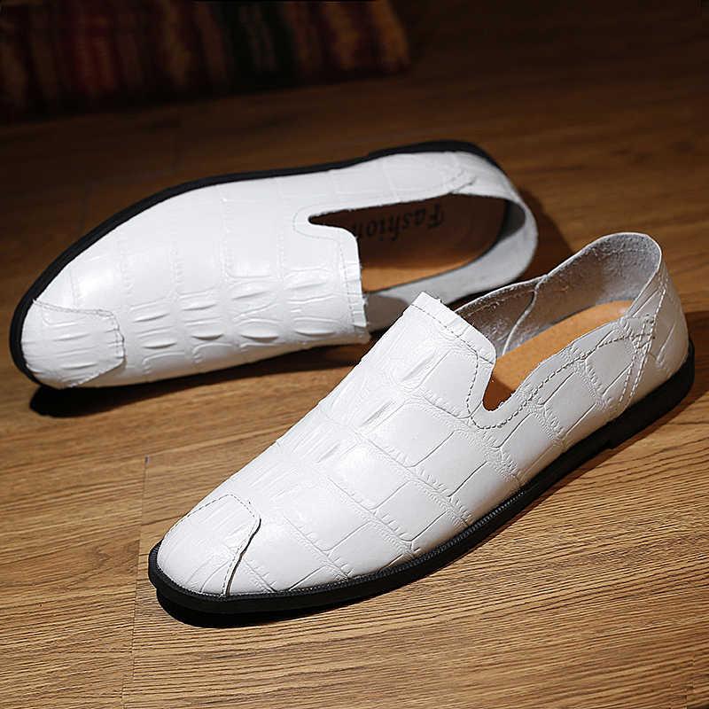 男性のカジュアルシューズかなり通気性超ソフトすべりにくい靴のサイズ 36-44 快適な革フラットビジネススニーカー *