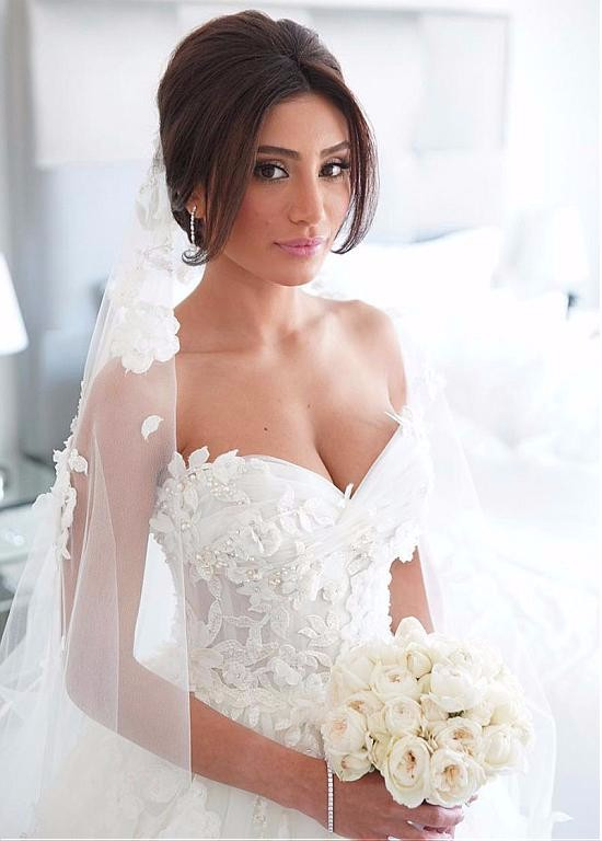 Charming Scoop Neckline See-through 2 In 1 Bridal Gown With Lace Appliques 2018 Vestido De Noiva Mother Of The Bride Dresses