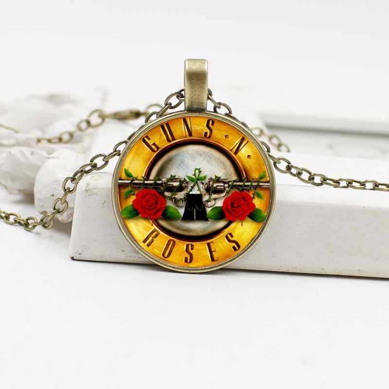 Eropa dan Amerika Hot Sale Senjata dan Rose Band Kristal Kaca Liontin Kalung Perhiasan