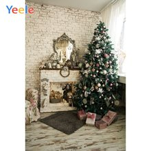 Рождественская елка камин кирпичная стена ковер украшение дома