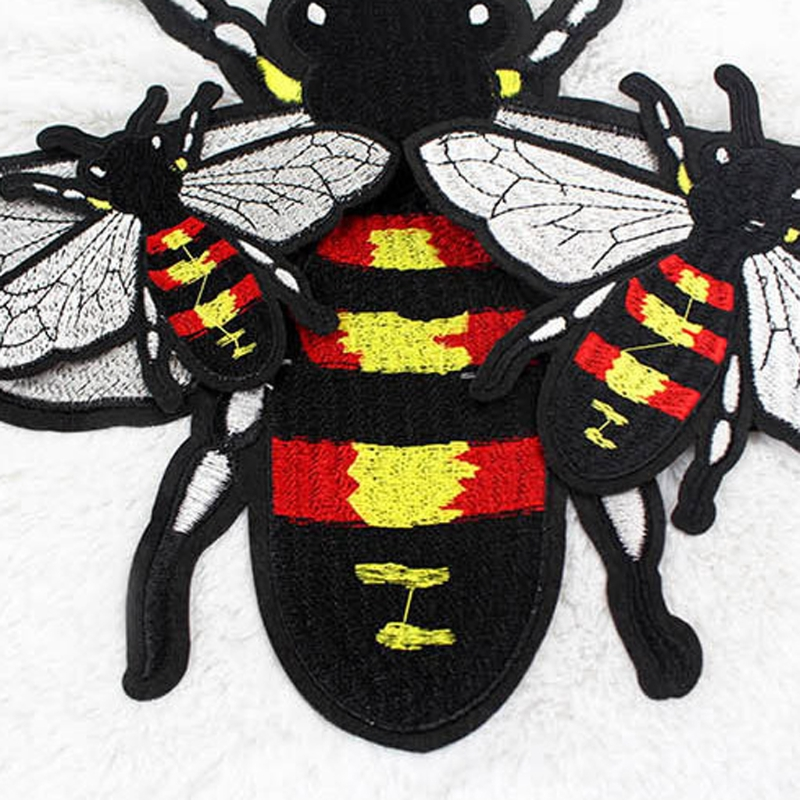 Cartoon Bee Patches Clothing Apparel Applique Iron-on Sewing Embroidery Accessories DXAA