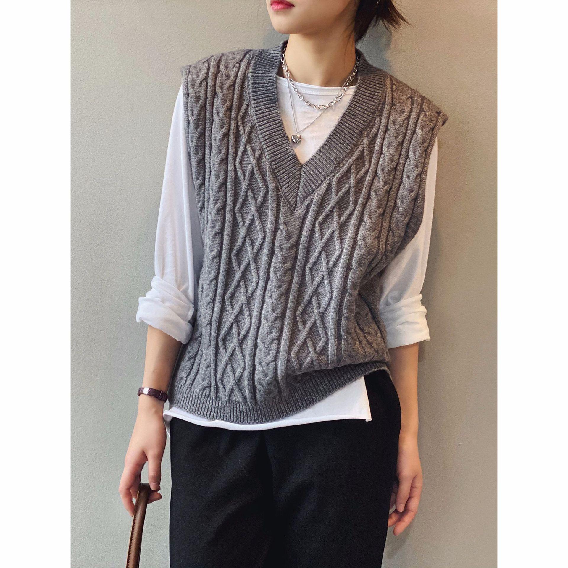 Sweater Vest Women Casual Twist Knitted Sweater V-Neck Loose Sleeveless Korean Style Women Clothes Harajuku Waistcoat T3335