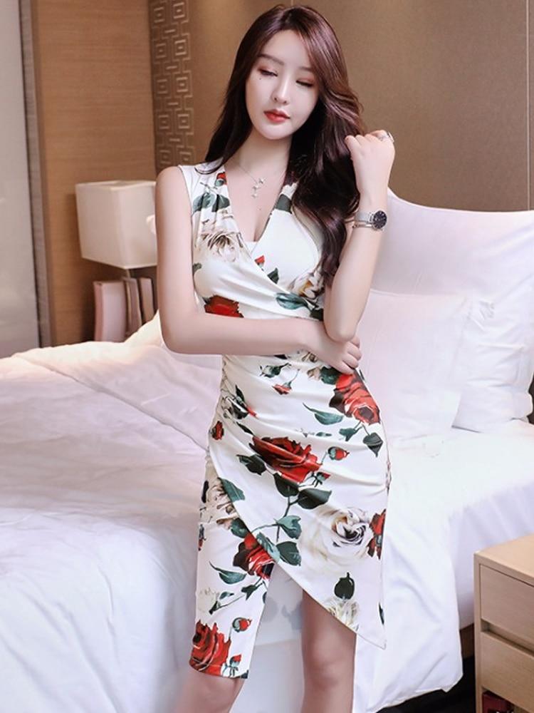 2020 Chinese Dress V Neck Sleeveless Sexy Flower Print Qipao Dress Lady Cheongsam Party Bride Qipao Knee Length Elegant Dress