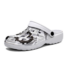 Men's Sandals Summer Hole Shoes Camouflage Breathable Casual Non-Slip Beach Slippers Fashion Lightwe