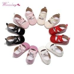 Zapatos de fondo blando con banda elástica cruzada para niñas pequeñas 2020, zapatillas de suela blanda de princesa, zapatos para niñas