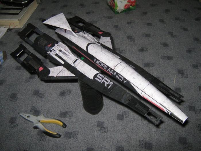Mass Effect SSV Normandy Spacecraft 3D Paper Model DIY