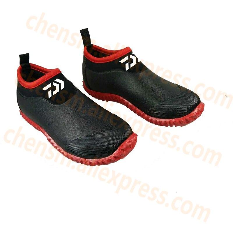 2020 New Dawa Fishing Shoes Men Beach Outdoor Wading Shoes Swimming Slipper On Surf Woman Quick-Drying Daiwa Fishing Water Shoes