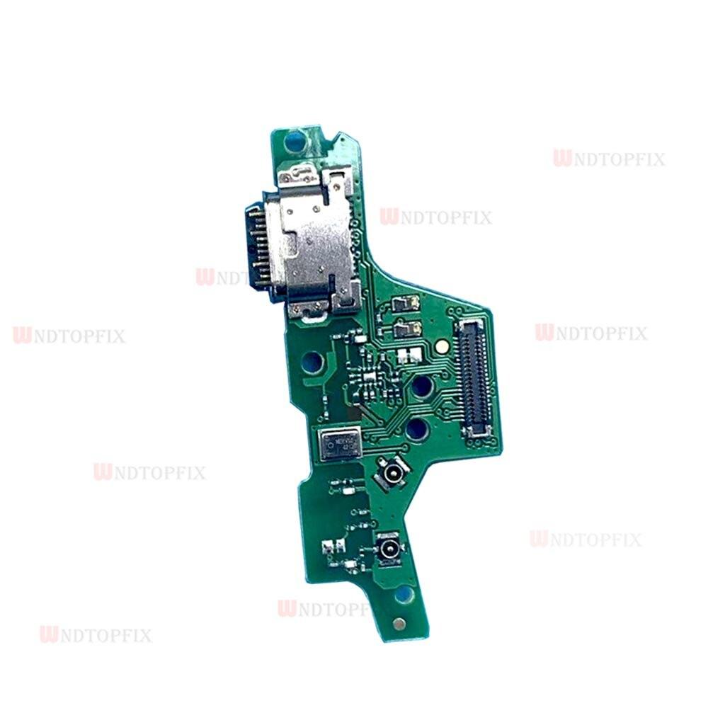G8 Plus USB charger port
