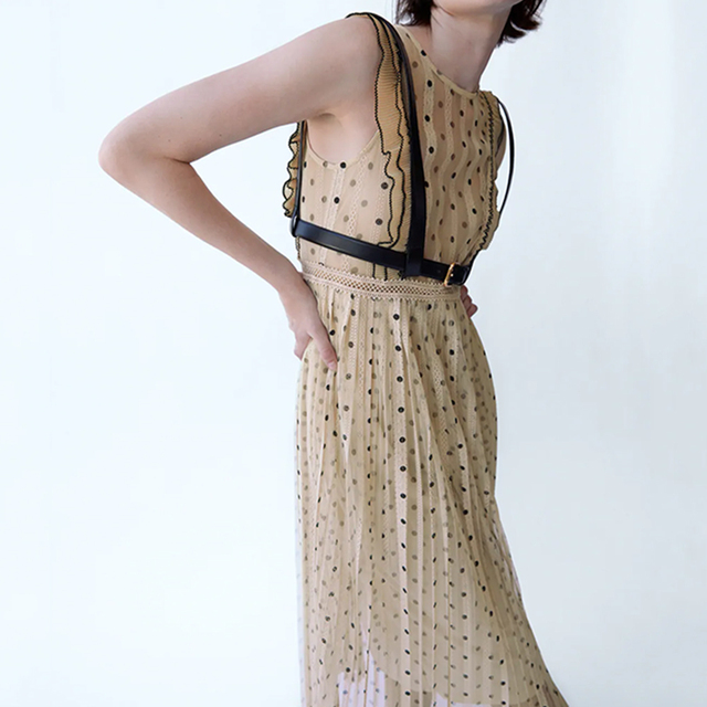 2021Beige color polka dot printed chic style see through women summer sleeveless lace pleated dress Round neck slim fit 4
