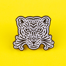 Punk Animals Brooches Pins Wolf Lapel Pins Badges Brooch Metal Badges On a Backpack Black and White Pins Badges on Clothes Decor woman cute brooch models acrylic brooches pins badges