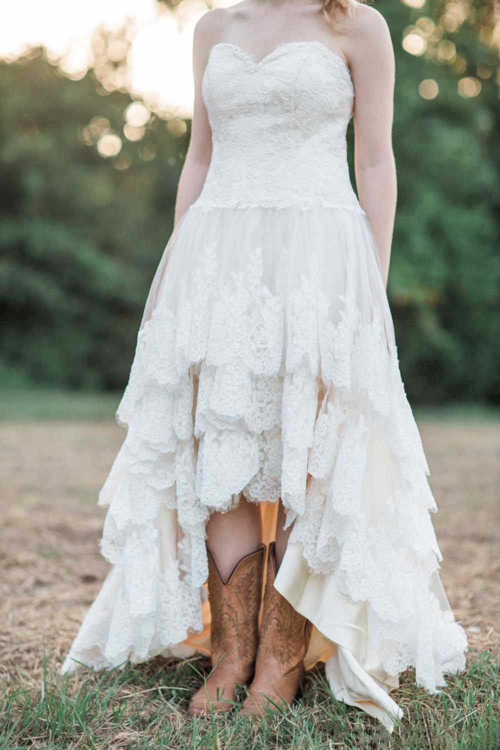 2020 Country Western High Low Wedding Dresses Lace Sweetheart Lace Up Tiered Custom Made A Line Plus Size Bridal Gowns