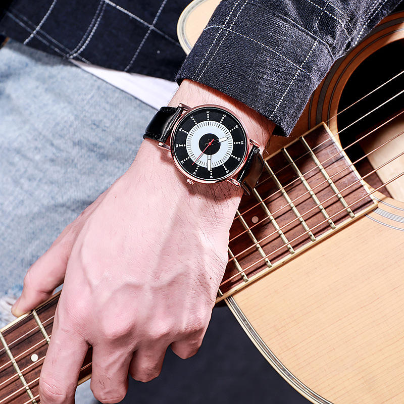 Для мужчин мужские часы ультра тонкий световой для мальчиков