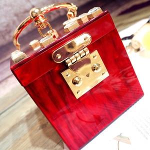 Image 4 - Dobrej jakości akrylowe metalowe pudełko na pierścionek w stylu fashion design diamentowa torebka damska kopertówka casual female flap 4 kolory
