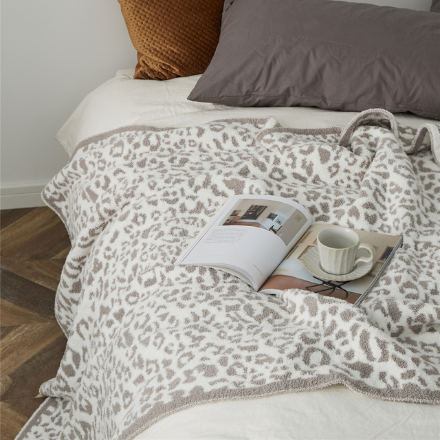 Knitted Printed Blanket 3