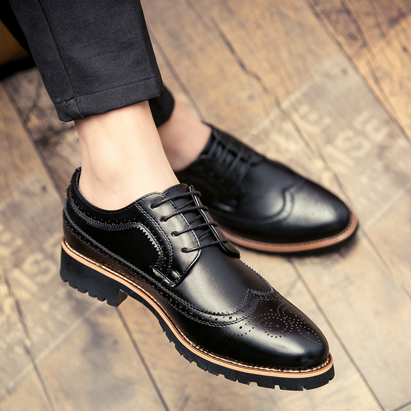 Fashion Leather shoes outdoor Men Dress Shoe Pointed top Oxfords brogue Shoes For Men slip on Designer Luxury Men Formal Shoes 5