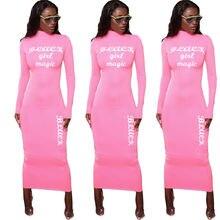 Розовые платья с длинными рукавами и принтом букв круглым вырезом