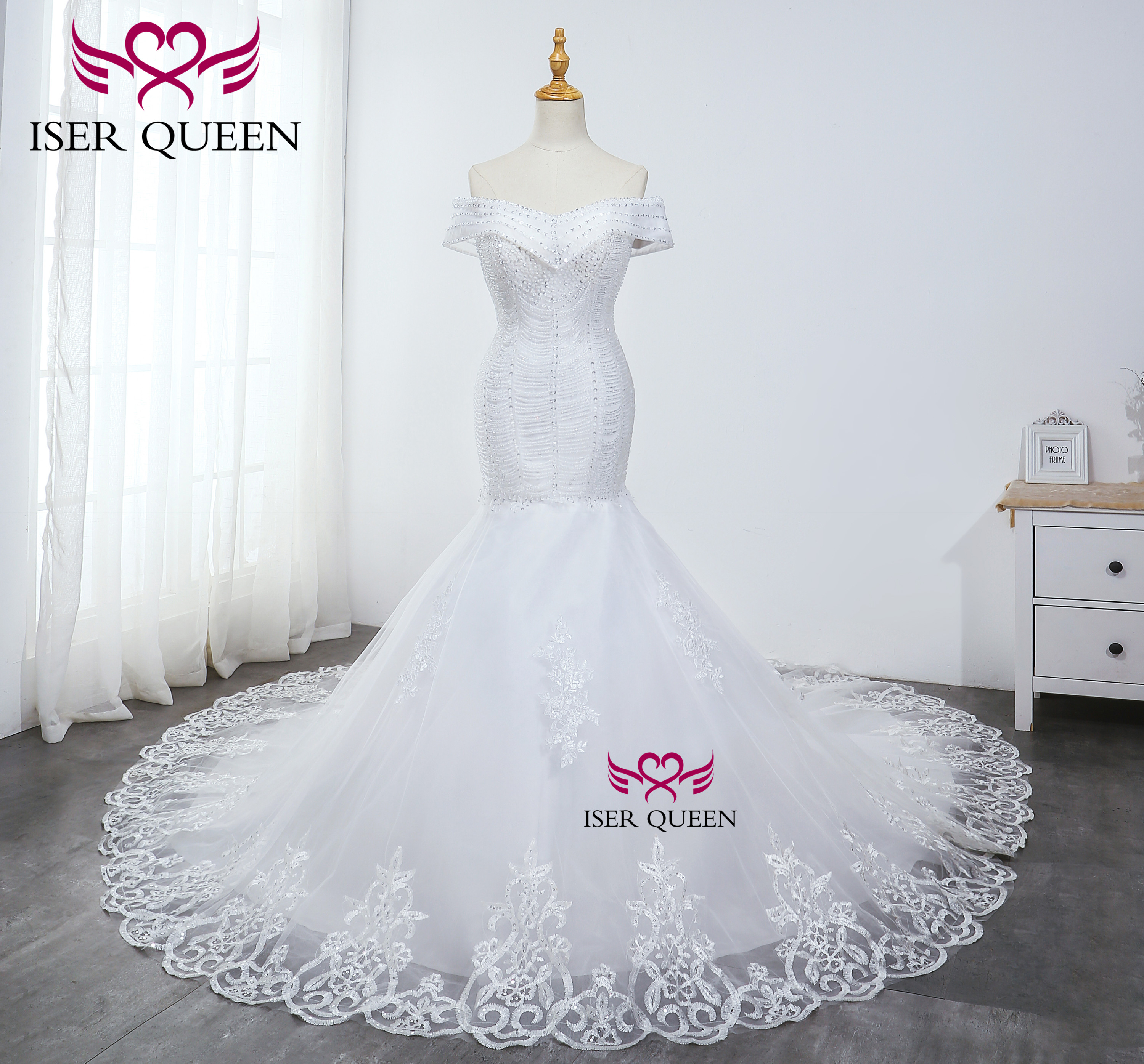 Cap Sleeves Bright Sequined Beading Mermaid Wedding Dresses With Embroidery Lace Up Chapel Train Elegant Pure White WX0036