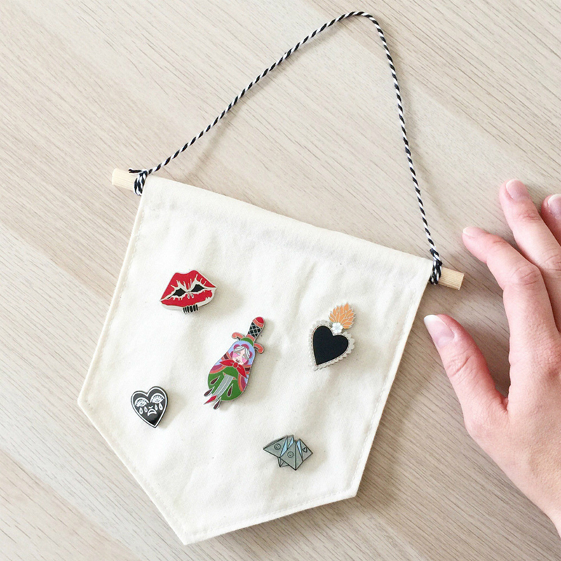 Children's Room Decoration Hanging Badge Storage Wall Hanging Nordic Style Multifunctional 3 Color Brooch Display Pendant