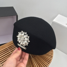 Japanese Korean version of autumn and winter new black wool beret painter hat pearl bright diamond lady stewardess hat female