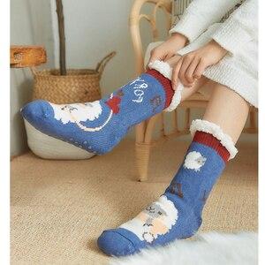 Image 4 - Mignon mouton dessin animé dames chaussettes hiver épais chaud chaussettes de sol doux respirant sommeil chaussettes nouvel an exquis cadeau chaussette de noël
