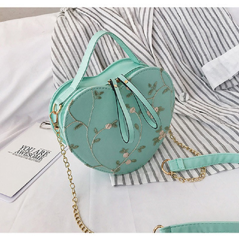 New Small Bag Women's New Korean Version Of The Tide Wild Girl Messenger Bag Lace One Shoulder Portable Heart-shaped Bag