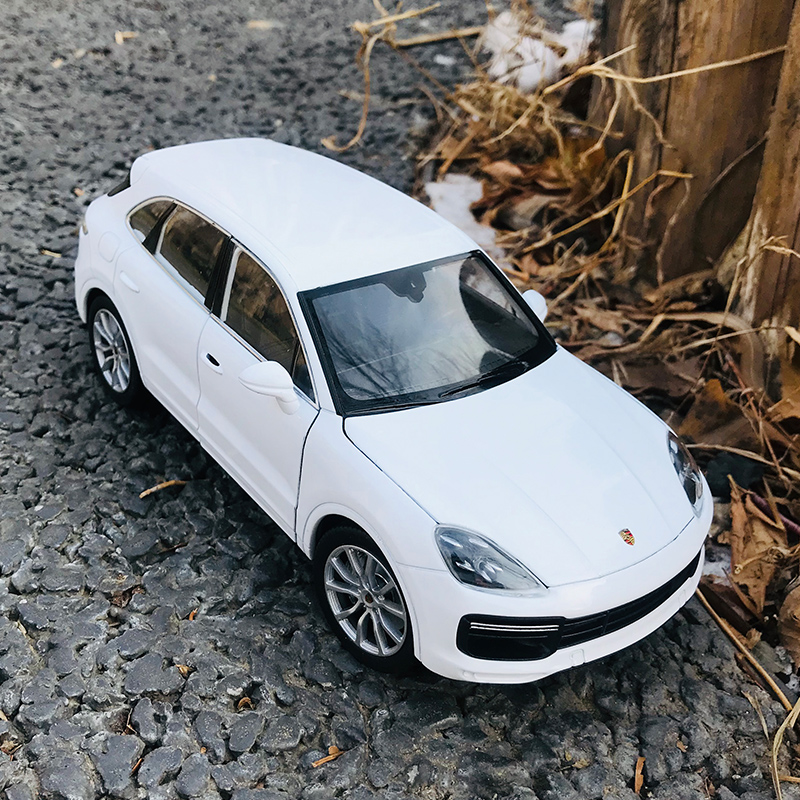 Welly 1:24 Porsche Cayenne Car Alloy Car Model Simulation Car Decoration Collection Gift Toy Die Casting Model Boy Toy