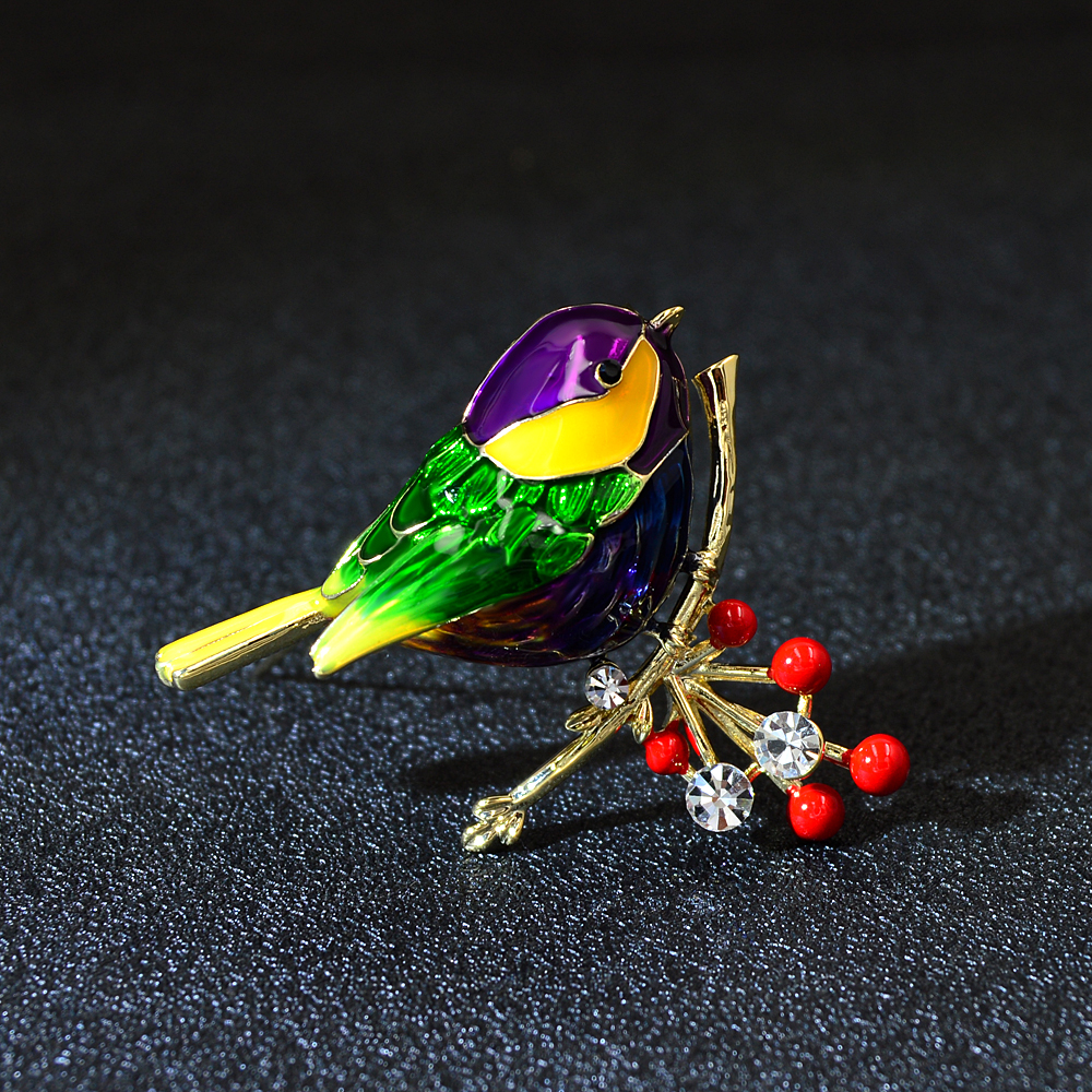 CINDY XIANG Cute Vivid Bird Brooches For Women Winter Animal Design Pin Branch Accessories 3 Colors Available High Quality