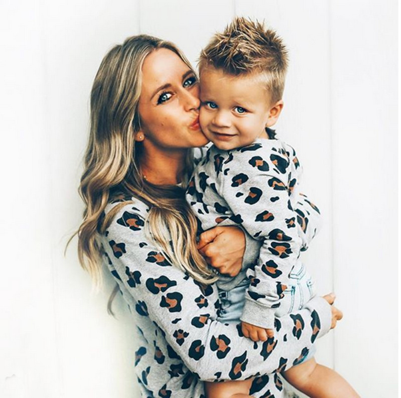 Family Matching Outfits Mommy And Me Clothes Fashion Leopard Hoodies Women Kids Boy Girls Sweatshirt Hoody Top Family Clothing