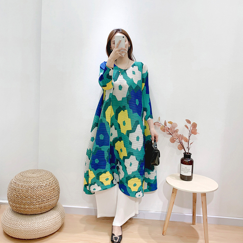 Plus Size Dress For Women 45-75kg 2020 Summer Print Elastic Horizontal Miyake Pleated Round Neck 3/4 Sleeves Loose A-Line Dress