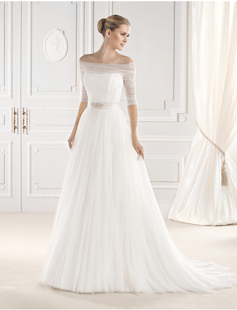 New Design Boat Neck Button Back With Half Sleeve Vestido De Noiva Bridal Gown Crystal A-line Beading Mother Of The Bride Dress