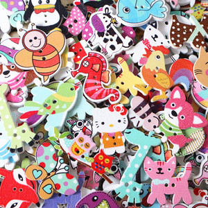 50Pcs/Lot Mixed Cartoon Animal 2 Holes Wooden Buttons Scrapbooking Crafts DIY Kids Clothing Accessories Sewing Button Decoration
