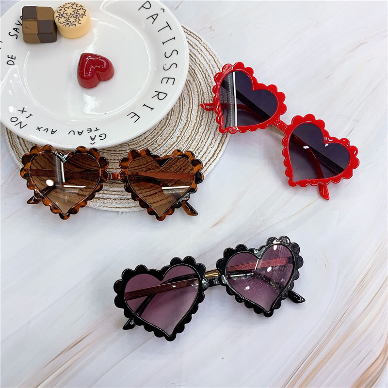 H205f05858b9e42b4940c31a082b7e18f7 - Baby Heart Kids Sunglasses Fashion New Love Plastic Pink Sun Glasses Girls Boys UV400 Sunglasses Okulry Oculos