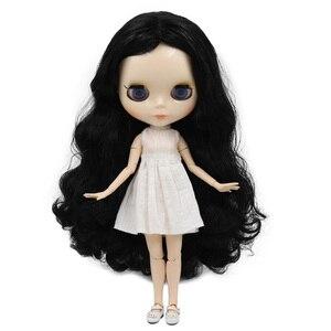 Image 2 - Muñeca Blyth de fábrica, cuerpo articulado con cara brillante y piel blanca, A & B 1/6 conjunto de mano, muñeca de moda, maquillaje diy, precio especial