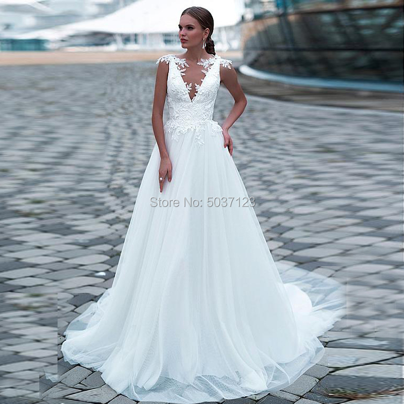 Tulle Deep V Neck A Line Wedding Dresses Sleeveless Lace Appliques Bridal Gown Court Train Button Illusion Vestido De Noiva