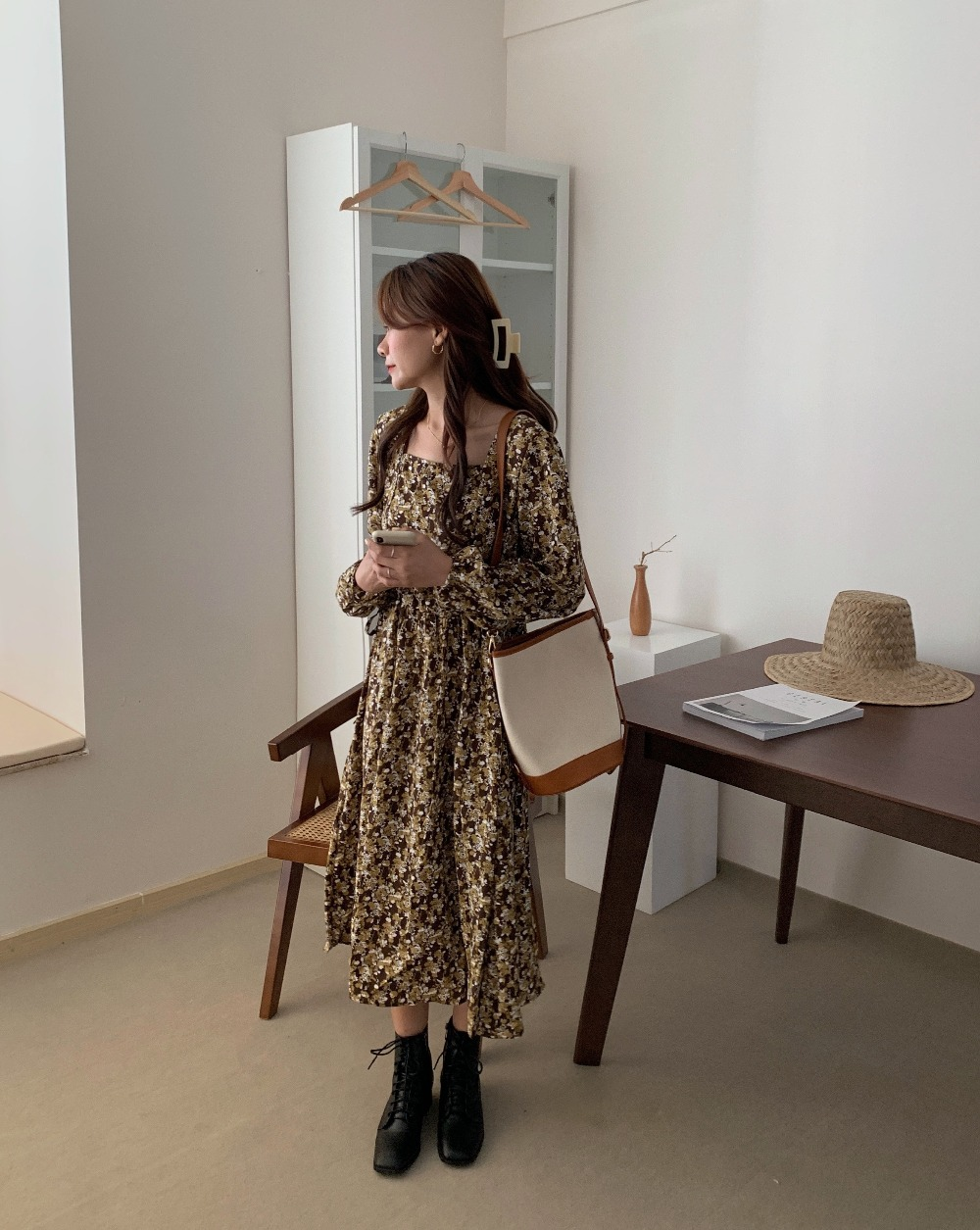 H206b35debcaf4c7ba055ee380c37c0fdU - Autumn Square Collar Lantern Sleeves Floral Print Midi Dress