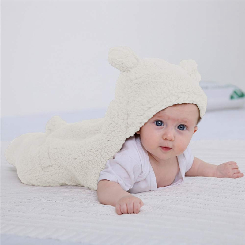 essencial para crianças 0-6 meses, recebendo envoltório